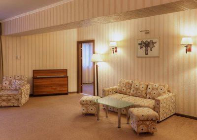 hotel-kalina-palace-tryavna-apartment-3