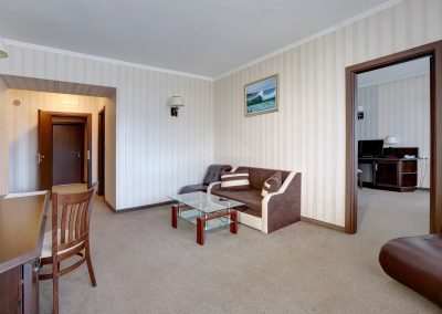 hotel-kalina-palace-tryavna-apartment-9
