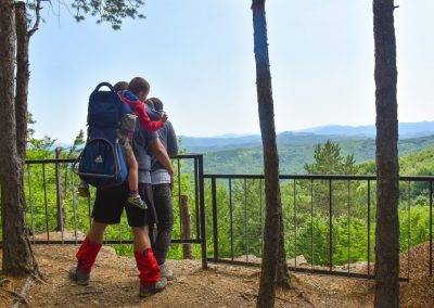 18-family-travel-spirit-in-the-mountain-with-beautiful-view-min