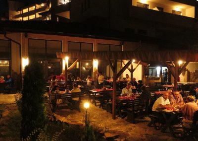 hotel-kalina-palace-tryavna-restaurant-bbq-1